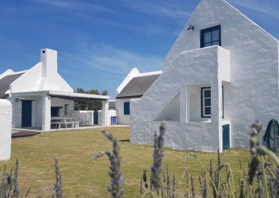 online-auction-struisbaai-ocean-breeze-cottage-3