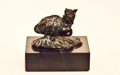 Netsuke – Il Gatto – Bronze by Stephen Rautenbach